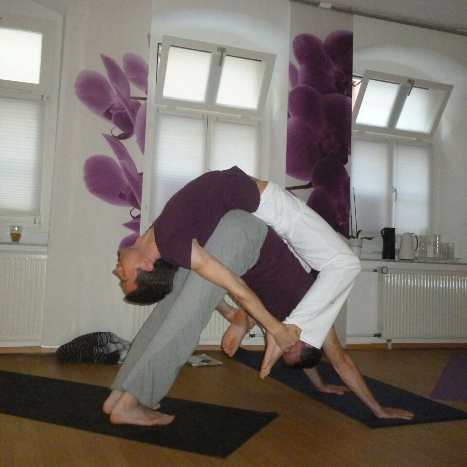 AcroYoga, bow on down dog
