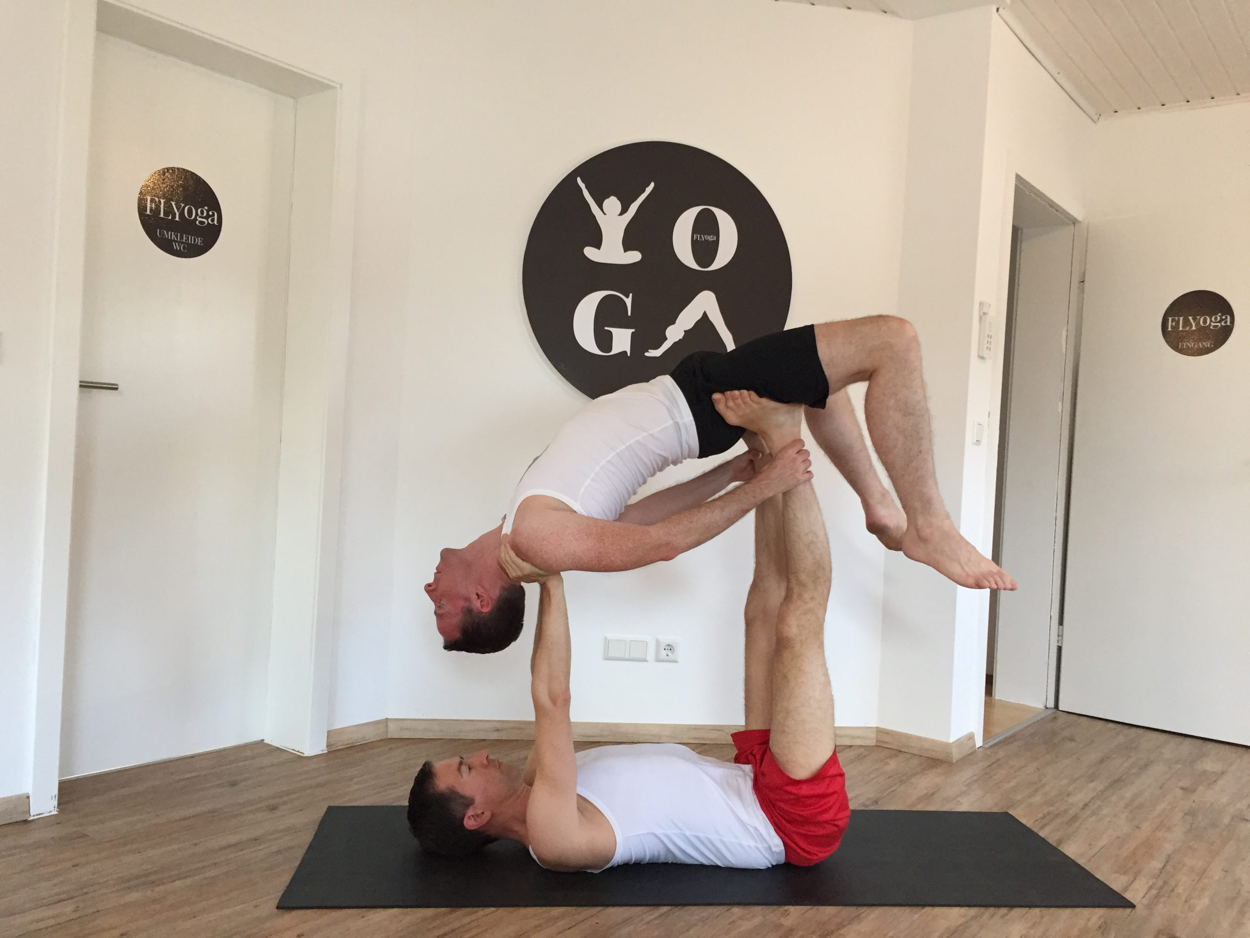 AcroYoga, therapeutisches backward flying